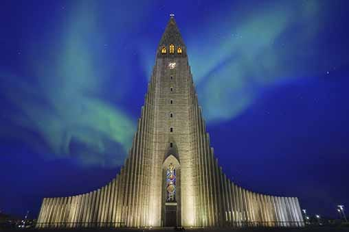 da 16€ al giorno Noleggio auto Reykjavik